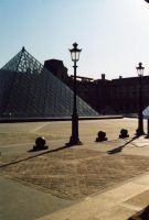 Morning at Louvre by dimage