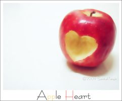 Apple Heart by Samt-al7anyin