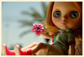 Blythe with flower by hell0z0mbie