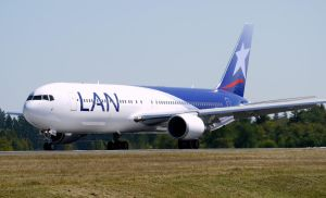 Boeing 767-300 LAN by shelbs2