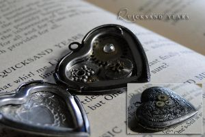 quicksand years - locket by TheClockworkCrow