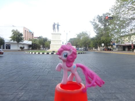 Pinkie at town square by Cilea-D
