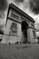 Arc de Triomphe by escape-is-at-hand