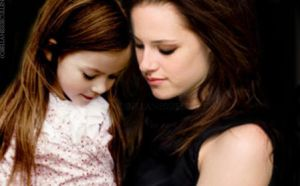 Bella and Renesmee (UPDATED IN DESCRIPTION) by bellanessiecullen