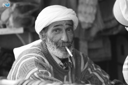 You photograph people's souls in B and W by ghazayel