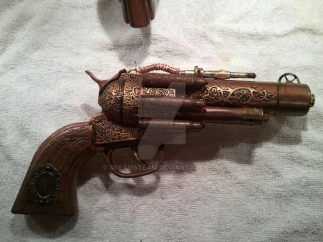 Steampunk Revolvers by DreamSteam