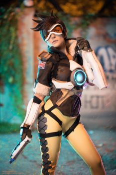 Tracer from Overwatch by MoguCosplay by MoguCosplay