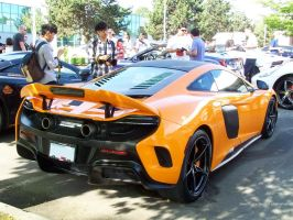 Orange 675LT by SeanTheCarSpotter