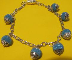 chain blue beads bracelet by AnaInTheStars