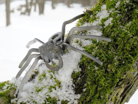 Claw Spider by Metal-Sculpture