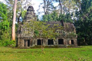 Angkhor - Temple in the forest by LLukeBE