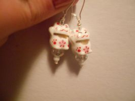 Japanese Lucky Cat Earrings by Mosspetal