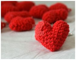 heart amigurumi by pirateluv