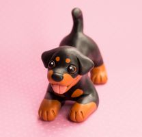 Rottweiler dog sculpture by SculpyPups