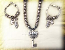 For Sale: Handmade Owl Jewelry Set ( eBay ) by PukingRainbow