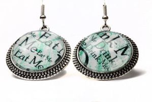 Alice in Wonderland earrings.. by Forgotten-Rose-Girl