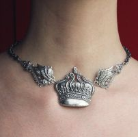 Tattoo crown necklace by Pinkabsinthe