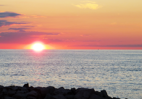 Lake Erie Sunset by fezzlynn