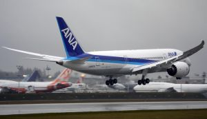 ANA 787 Landing 2 by shelbs2