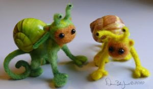 Green and Yellow Snonkeys by FamiliarOddlings