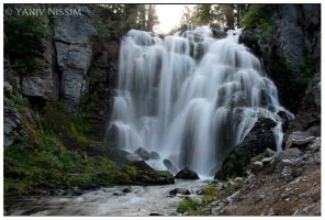 Kings Creek Falls by ynissim