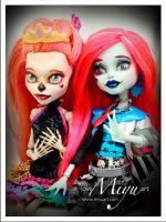 Monster High Repaint Skelita and Frankie by niamiyu