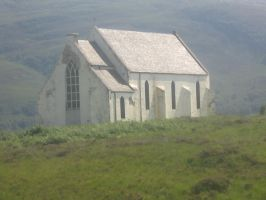 Highland Church by uzusan
