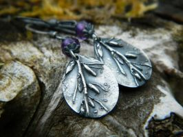 Day at the Beach - Kelp and Amethyst Earrings by QuintessentialArts