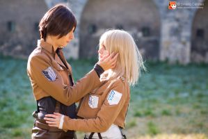 [Ymir x Christa] by Didi-hime