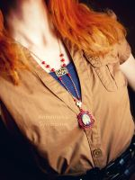 Red Golden Necklace with Ribs cameo by Verope