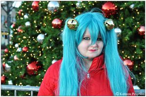 Vocaloid: Jingle Bells by CosplayerWithCamera