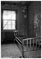 empty bed by thelastring