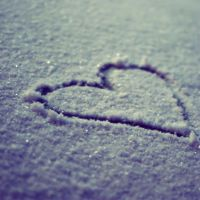 I heart snow. by xXcherushiiXx