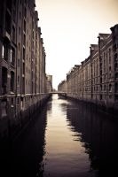 city canal by Hundebein