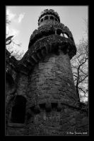 The giant watcher by Histeroneurastenia