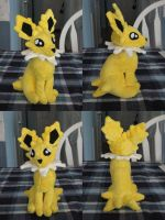 Jolteon Plush by HottieHulio