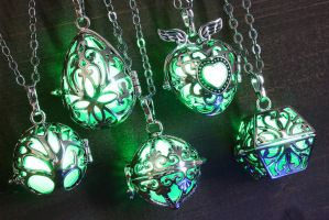 Glowing Magical Pendant Green by CatherinetteRings