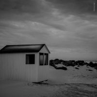 Summer Remains by tholang