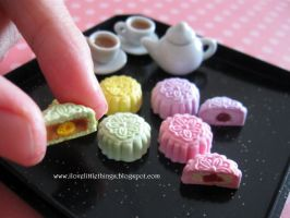Miniature Snowskin Mooncakes closeup by ilovelittlethings