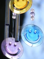 Wind Chimes Smile by loraleidarkchylde
