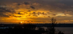 Sunrise in SPb by iluha88