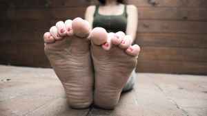 Full HD Wallpaper - Franzi Toe Curl by foot-portrait
