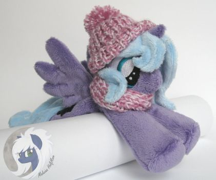 Woona loves her new winter accesories by MalwinaHalfMoon