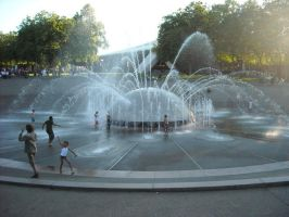 Fountain by Damninic