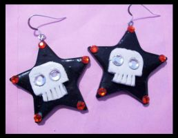 Black stars with skull earring by AnaInTheStars