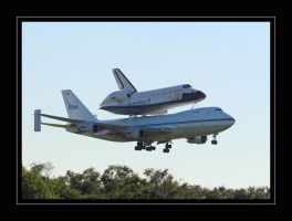 Endeavour and 747 on Final by OpticaLLightspeed