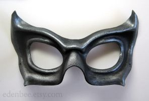 Cat's Eye leather mask in black and silver by shmeeden