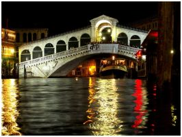 Rialto by night by markvime