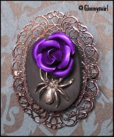 Poisonous brooch by Gloomyswirl