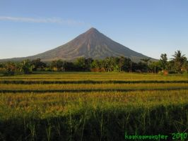 Mayon Volcano by kookoomonster